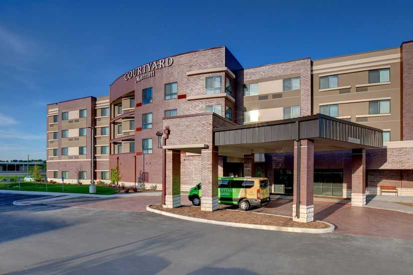 Courtyard Marriott Front Chesterfield