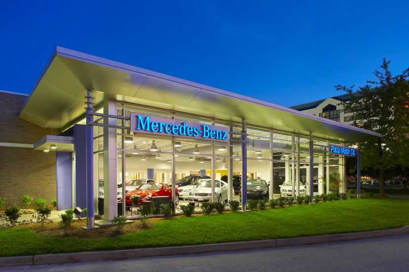 Plaza Mercedes Benz